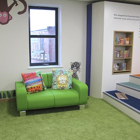Use of graphics and signage in library interior design
