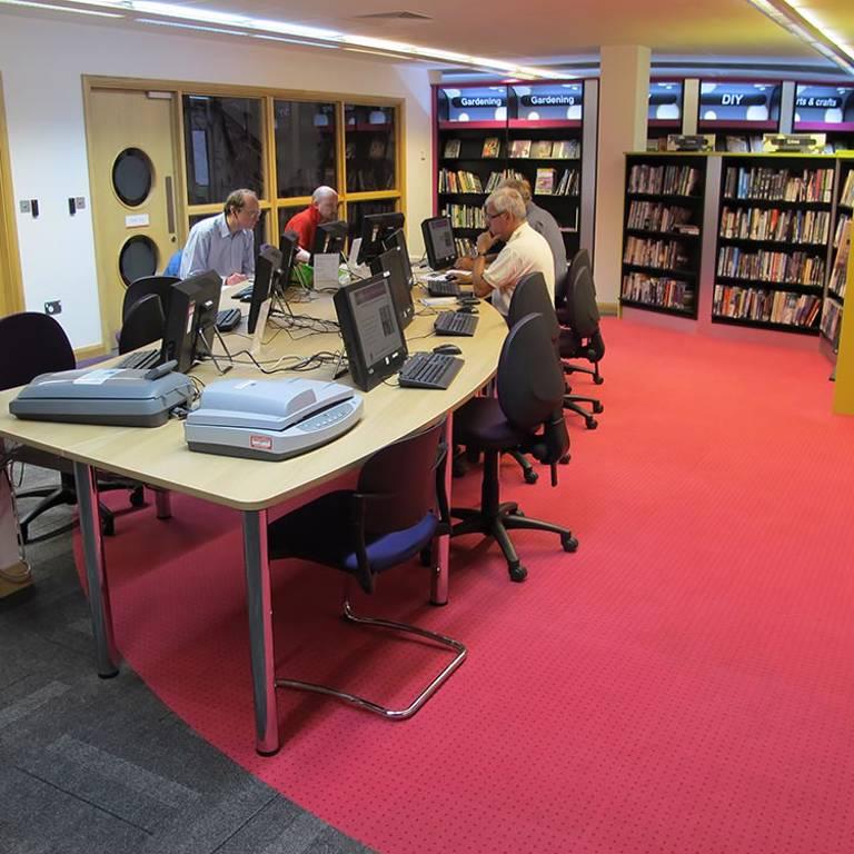 Wellington curved IT desk